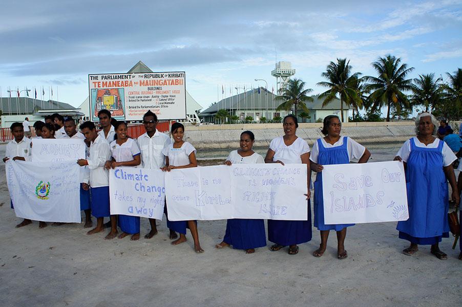 Der Klimawandel zwingt Menschen von Kiribati zur Migration © 350.org, CC BY-NC-SA 2.0, flickr.com